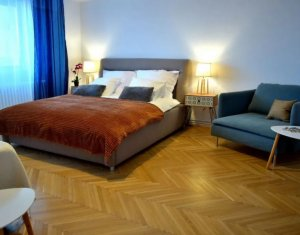Apartment 4 rooms for rent in Cluj-napoca, zone Centru